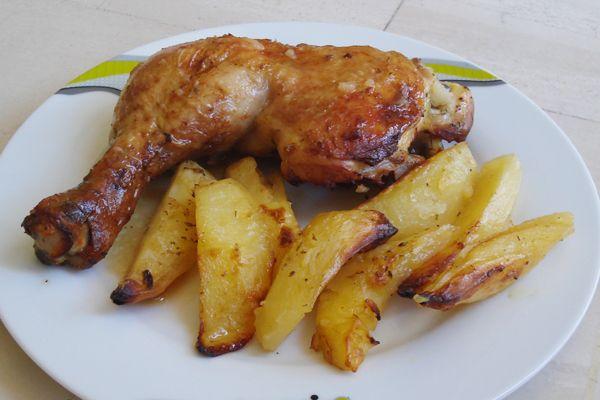 Κοτόπουλο στον φούρνο με μαρινάδα. Ζουμερό κοτόπουλο στον φούρνο με φανταστική μαρινάδα...