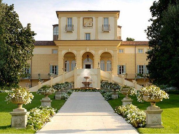 When modern meets classic - Byblos Art Hotel Villa Amistà http://www.veraclasse.it/articoli/travel/alberghi/byblos-art-hotel-villa-amista/396/