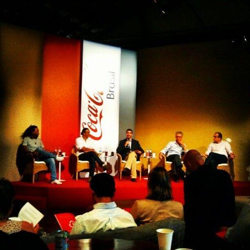 Na semana passada fui convidada para a apresentação do Relatório de Sustentabilidade 2012 da Coca-cola Brasil.