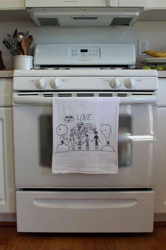 Convierta los dibujos de sus hijos en toallas para la cocina