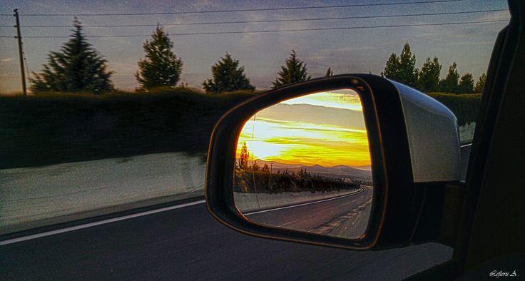 Να ταξιδεύετε και να ονειρεύεστε. Να αγαπάτε και να το δείχνετε !!!  Όλα είναι δρόμος  Φωτ. Καθ' οδόν κάπου στην Εθνική Οδό. 24/12/2015, LG G4
