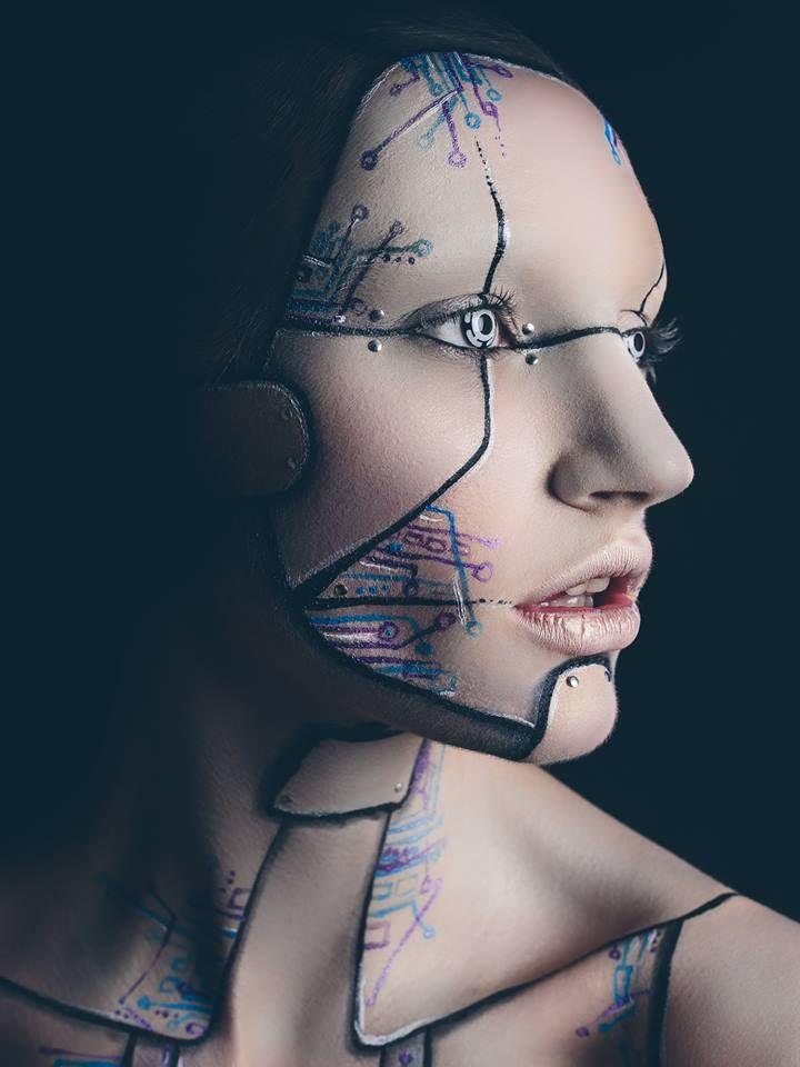 Photographer: Marc Hayden/ Makeup: Anna Lingis/ Model: Olivia Harriet Smith