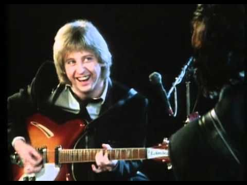 The Pretenders - Message of Love - 1981 (Better Graphics & Audio) - YouTube