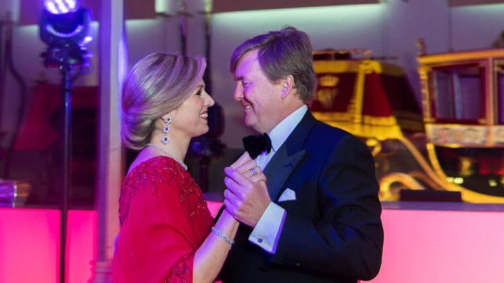 Ter gelegenheid van de vijftigste verjaardag van Koning Willem-Alexander stelt de Rijksvoorlichtingdienst twee nieuwe foto's beschikbaar.