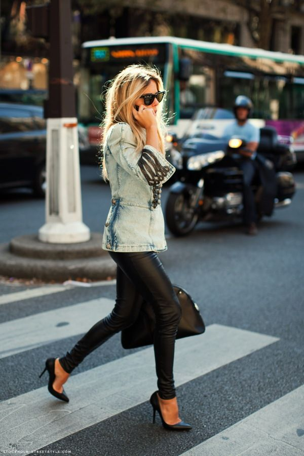 Leggings and heels: Fashion, Jeans Jackets, Street Style, Outfit, Denim Jackets, Leather Legs, Leather Pants, Leatherpants