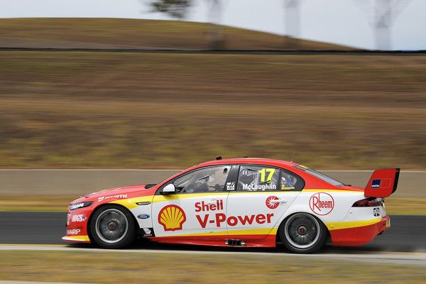 Scott Mclaughlin Drives The 17 Shell V Power Racing Team Ford Falcon Fgx During The 2018 Supercars Testing Day A Super Cars V8 Supercars Australia Racing Team