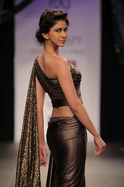 S & N Drape by Shantanu and Nikhil Autumn Winter 2012