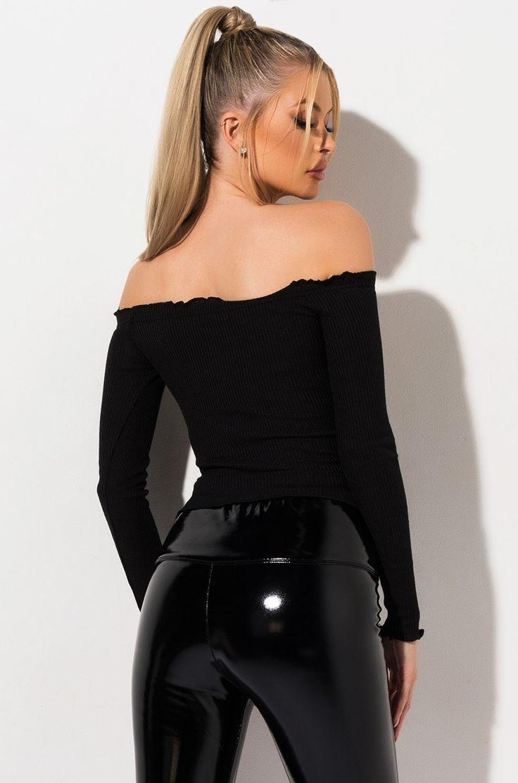Pin på Leather,latex pants and shiny black leggings