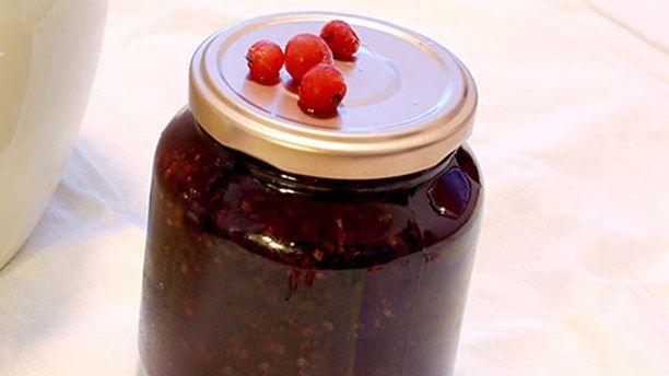 Marmelad på röda vinbär (med smak av svartpeppar). Foto: Malin Randeniye/P4 Sörmland