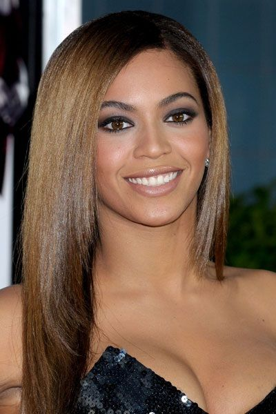 Beyonce's eyebrows has a great natural shape to them