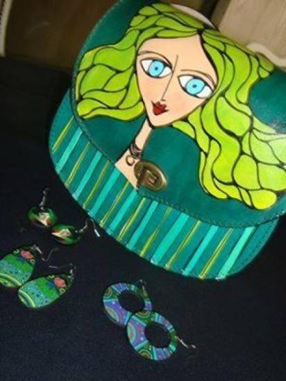 si queres comprar mis carteras y estas en el exterior podes hacerlo desde mi tienda de artesanum
