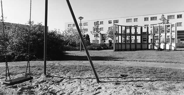 Rob Groot Zevert, zonder titel (1992), Muziekwijk, Almere Stad. © Witho Worms, Museum De Paviljoens
