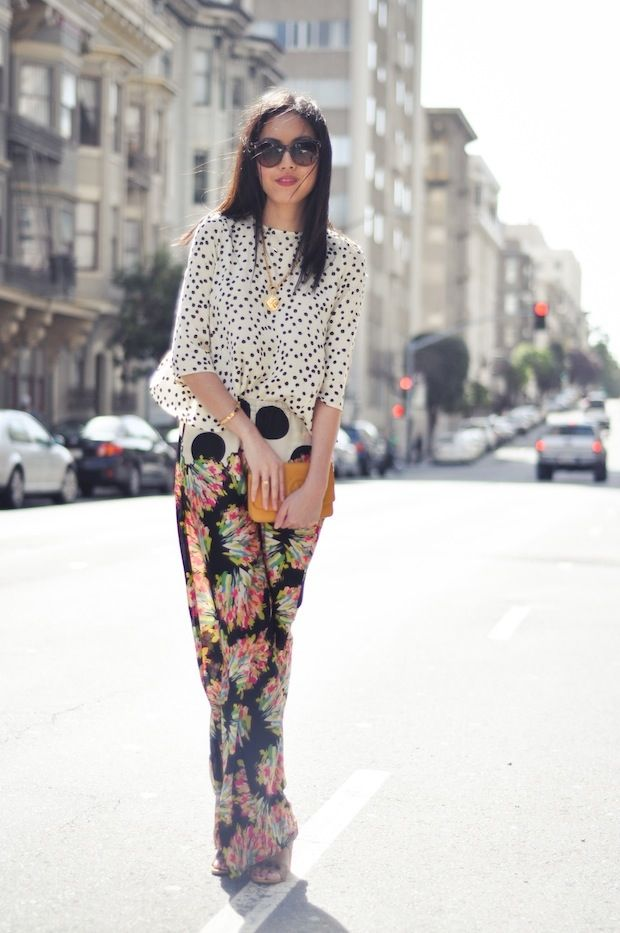 Polka dots and flowers in the mix.: Polka Dots, Fashion, Palazzo Pants, Pattern, Street Style, Mixed Prints, Mixing Prints