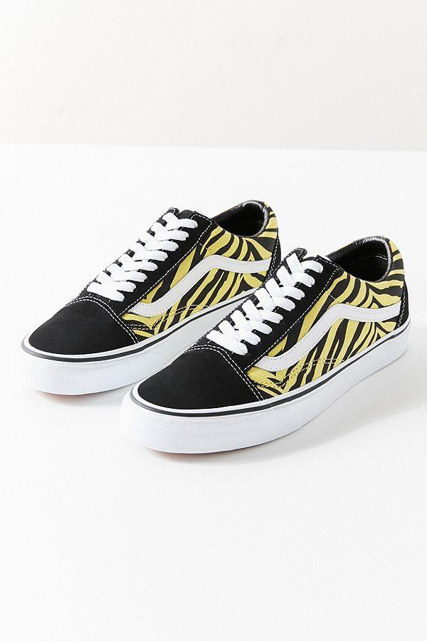 2536ab92c55 Slide View  6  Vans Old Skool Zebra Sneaker