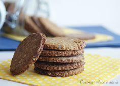 I biscotti all'avena e cocco sono dei dolcetti rustici, perfetti per la colazione. Biscotti, dolci ma non troppo con tanti ingredienti salutari.