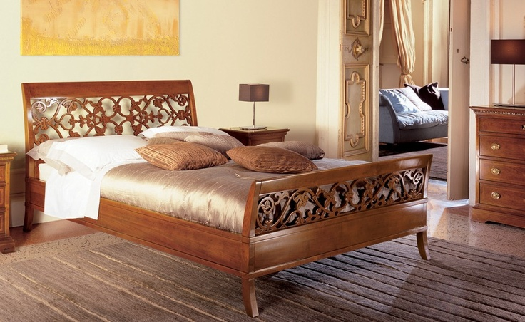 Ciclamino - I Ciliegi   Classic Collections Le Fablier   Fretworked bed   Measures in cm (LxDxH) 171x221x109   Structure in solid cherry wood