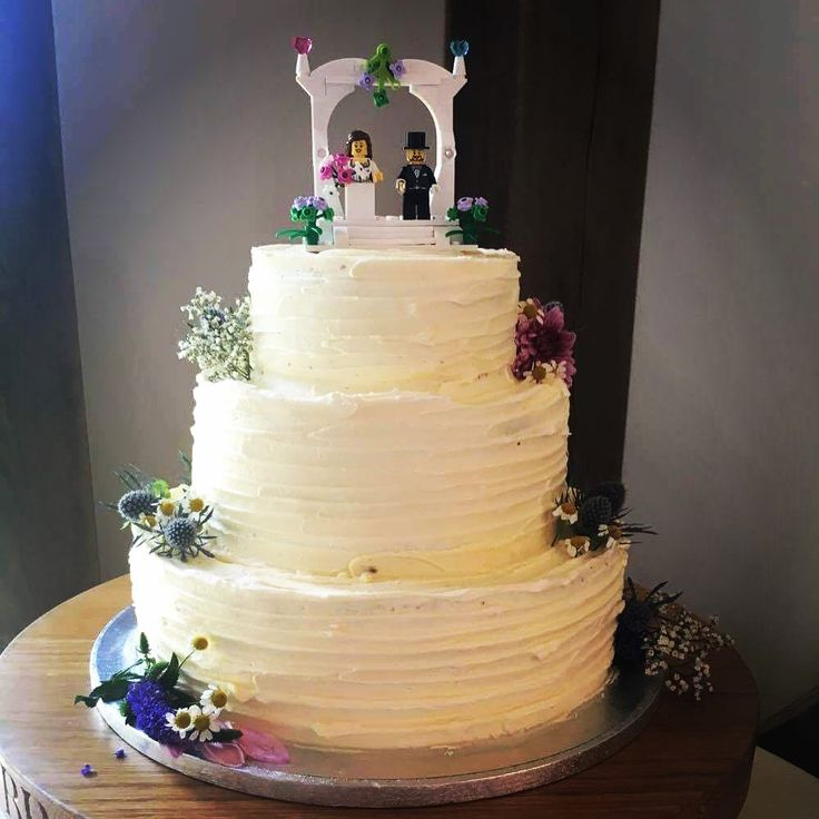 Best Red Wedding Cake Icing Ideas On Pinterest Red Big
