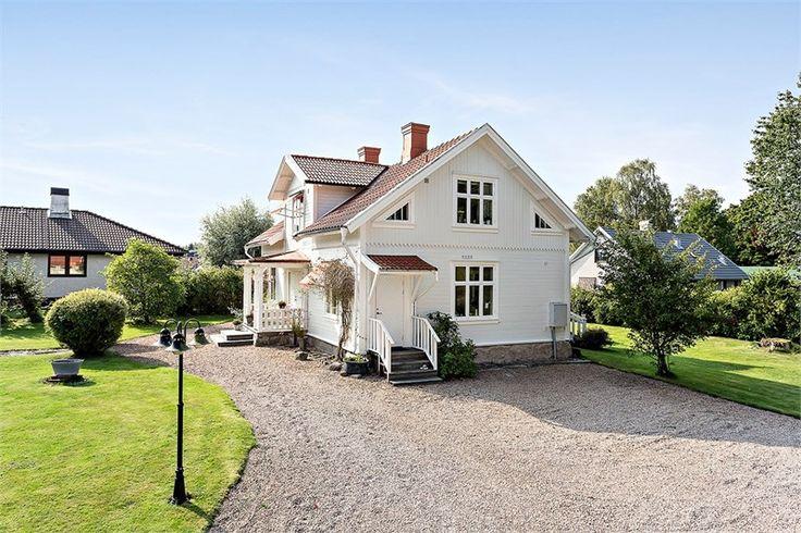 Bokvägen 10, Halvorstorp, Trollhättan - Fastighetsförmedlingen för dig som ska byta bostad