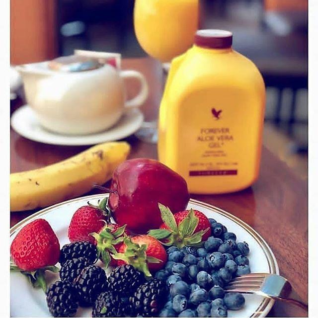 عصير الألوفيرا جيل Aloe Vera Gel الألوفيرا علاج شاف طبيعي يستعمل كمنشط غذائي يومي مضاد عصير الألوفيرا Health Food Forever Living Products Healthy Families