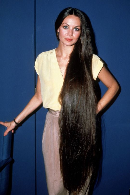 How Long Was Crystal Gales Hair