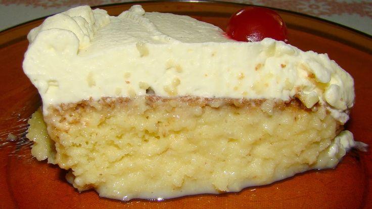 Torta Tres Leites | Ingredientes Para a massa:4 ovos,1 xícara de farinha de trigo 1 xícara de açúcar,1 colher de sobremesa de fermento em pó. Para a calda Três Leites: 1 lata de leite condensado 300 ml de creme de leite fresco,1 lata de leite evaporado* Cobertura - Chantilly: 500 ml de creme de leite fresco, 4 colheres (sopa) de açúcar refinado