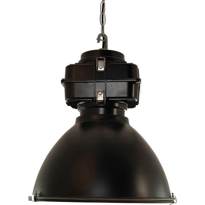 ST.PAUL ist eine große #Metalllampe, die sieht sehr ähnlich zu den #Lampen, die in alten #Fabriken hängen. Perfekt für #Industrieinnere.