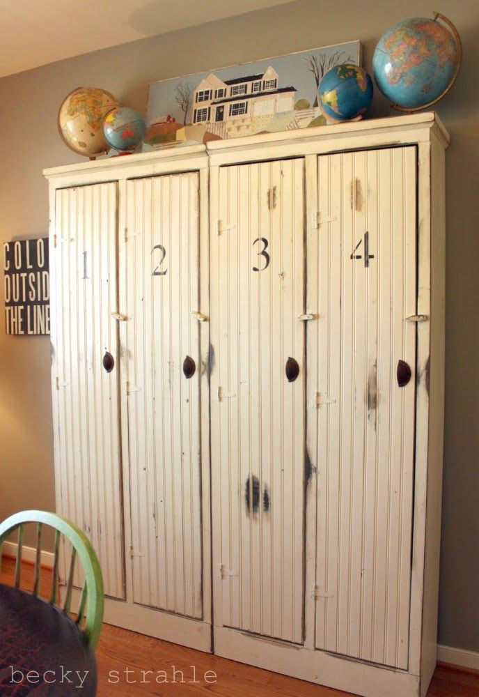 locker love!Ideas, Home Tours, Mudroom, Sports Equipment, Book Storage, Mud Room, Painting House, Lockers, Laundry Room