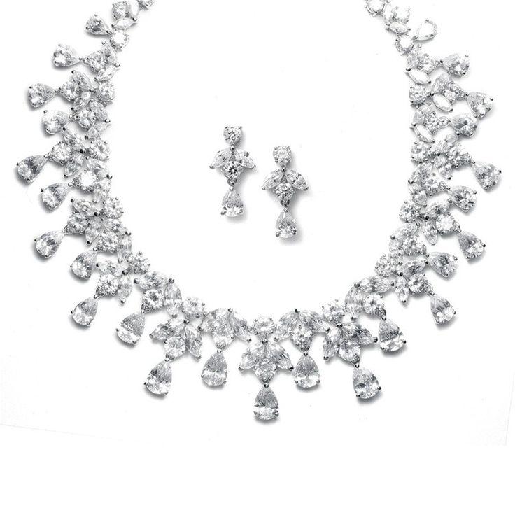 Spectacular Luxury Diamonds Set Bijuterii Mireasa http://www.borealy.ro/bijuterii/seturi/spectacular-luxury-set-bijuterii-mireasa.html