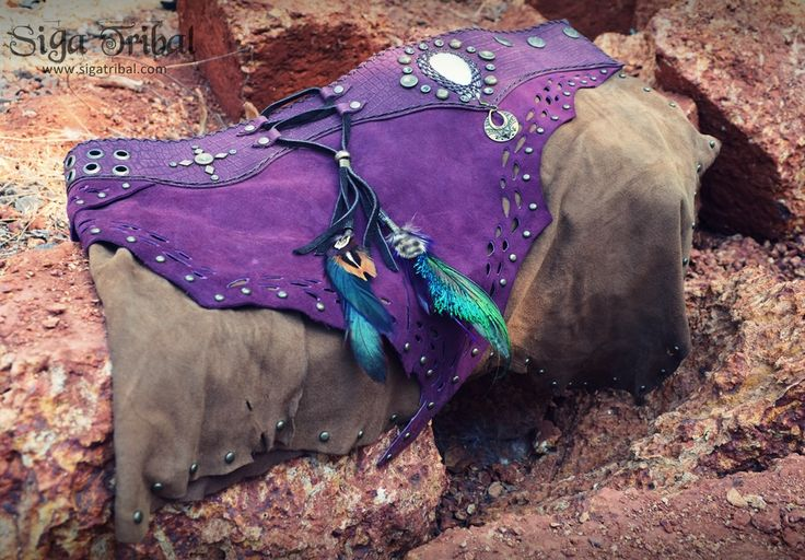 Purple Leather Skirt with natural feathers , mother of pearl , many detail. Unique piece. You can find us on www.facebook.com/sigatribalwear