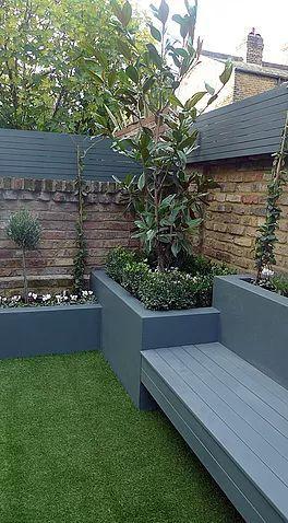 Eleganter, stilvoller, pflegeleichter, moderner Garten in schwimmendem Ben