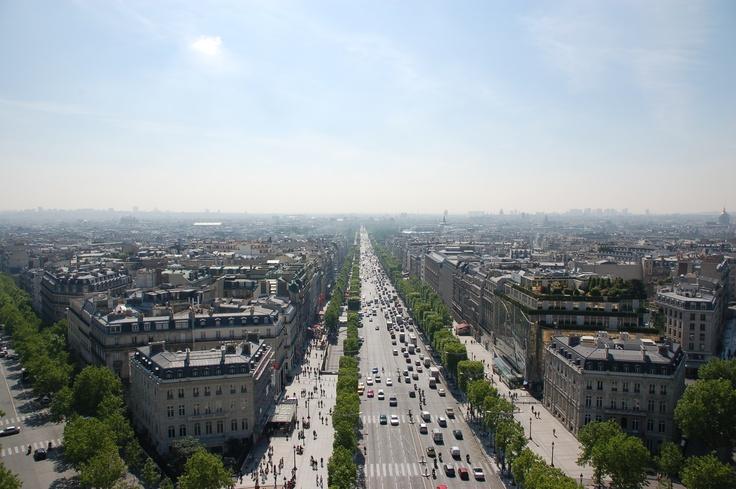 Avenue des Champs Elysées, Paris France
