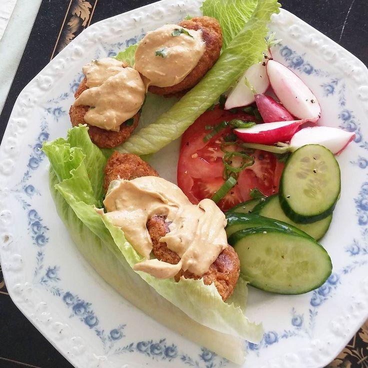 Falafel. Kotiruokaa! #falafel #vegaani #kasvisruoka #itsetehty #ruokablogi #ruoka#kotiruoka #herkkusuu #lautasella #Herkkusuunlautasella#ruokasuomi