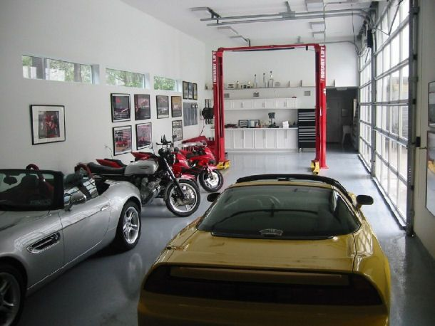 No frills just a very cool garage that still maximizes for Garage automobile qui fait credit