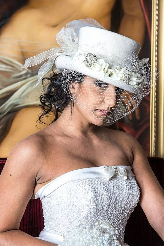 Top hat Ivory veil altertinative bride door BespokeVintageCastle