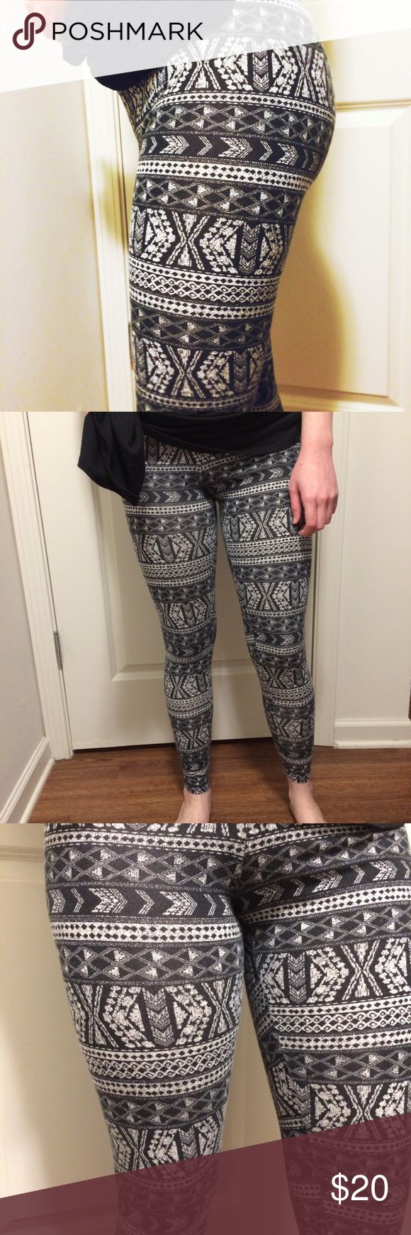 AE Aztec Leggings Perfect condition. Like new. Worn once. Not sheer! Elastic band around the waist. Vibrant, cool Aztec print! Length: coming soon. Ask questions! MAKE AN OFFER OR BUNDLE FOR A PRIVATE DISCOUNT. American Eagle Outfitters Pants Leggings