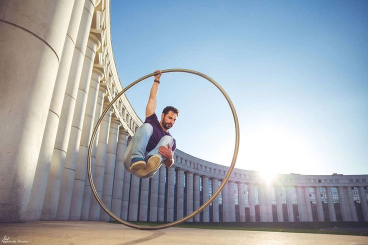 """Gefällt 159 Mal, 10 Kommentare - Guillaume Juncar (@guillaumejuncar) auf Instagram: """"YOUR life is EPIC !  @butterflyshooting #cyrwheel #circus #photography #artist #art #photo #soul…"""""""