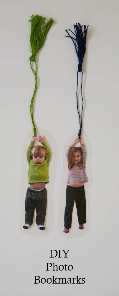 1 photo + de la laine = un marque page personnalisé / Photo Bookmarks - Nearly Crafty - http://nearlycrafty.com/photo-bookmarks/
