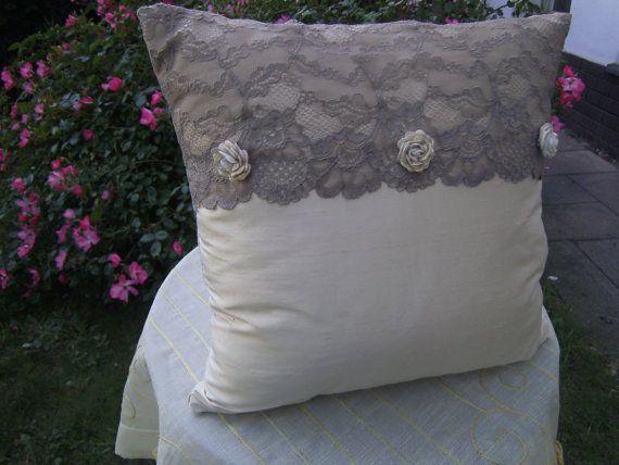 beige pillow with french от himmeldurchnadeloehr на Etsy