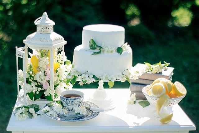Spring wedding cake | Sergey Ulanov | see more on: http://burnettsboards.com/2015/09/springtime-toile-de-jouy-bridals/