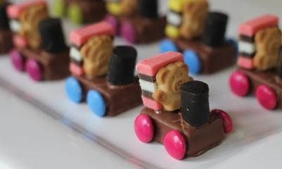 These cute little train teddies are a great party snack idea and would also work as birthday cake decorations.