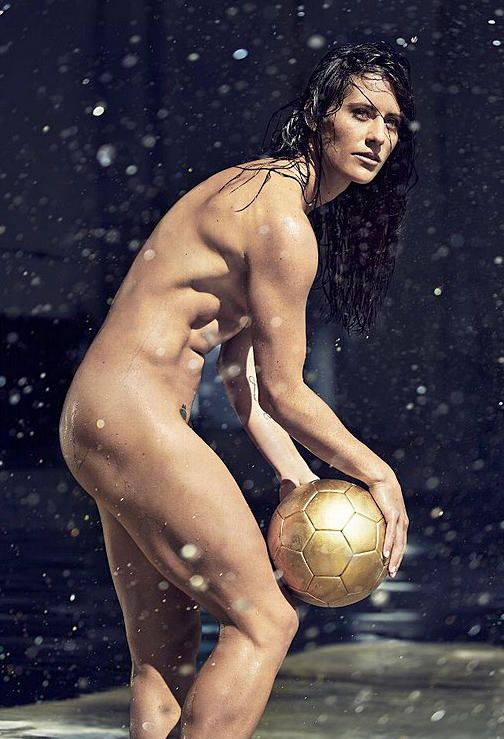 naked female volleyball player images
