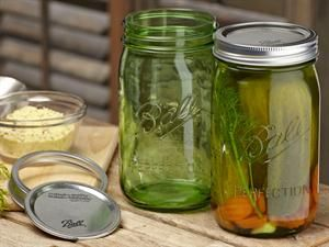 NEW...GREEN ...Ball® Heritage Collection Quart Jar 6-pc/1-qt at Fresh Preserving Store