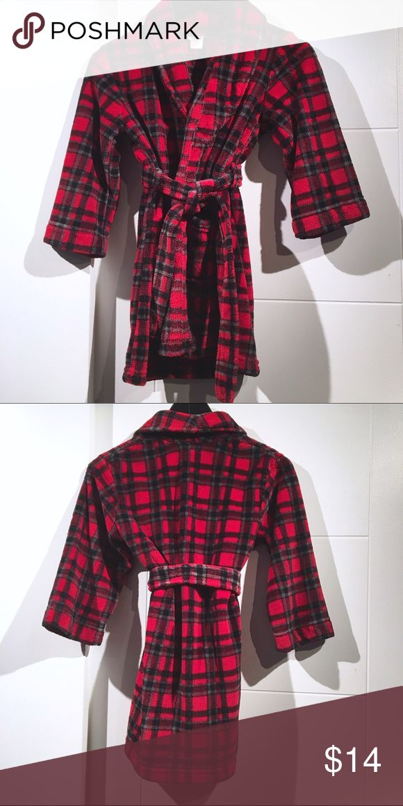 Cherokee Plush Fleece Plaid Robe Boys S- Like New! I bought this for my Nephew, washed it so he could wear it immediately. However, it's too small for him. It's so soft and fluffy. I would buy it in my size! Like new Condition. Belt is attached at the back of the robe so you'll never lose it! Cherokee Pajamas Robes