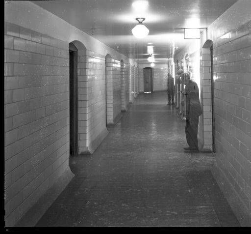 Interior photos of Waverly Hills sanatorium   1945