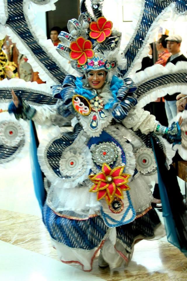 The uniquely fabulous Solo Batik Carnival opened the show in Surabaya.