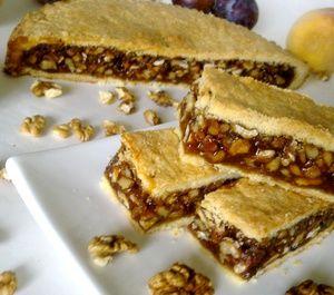 Фото к рецепту: Швейцарский ореховый торт