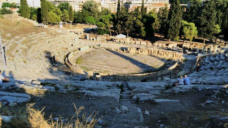 L'odéon d'Hérode Atticus, sur l'Acropole d'Athènes, en Grèce #athenes #grece #acropole