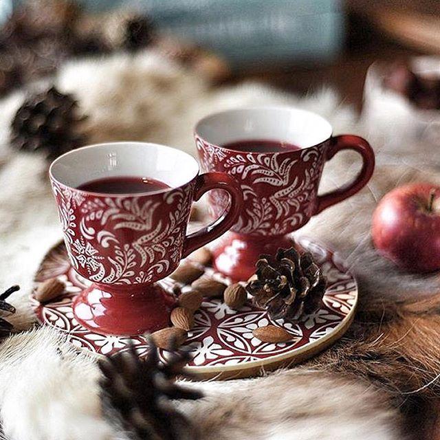 Winter coffee / CRED: @pernillaporten / #christmas #christmasgift #christmastime #christmastree #christmaslights #christmasfeeling #merrychristmas #interior #interior4all #interiordesign #festive #decor #decorations #nordichome #nordicchristmas #nordiskehjem #nordiskjul #jul #julmys #julpynt #julstök #julstämning #godjul #julpalandet #lantliv #lantligt /