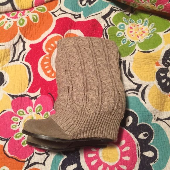 Steve madden heels Gently used Steve Madden sweater booties. Size women 6. Steve Madden Shoes Heeled Boots