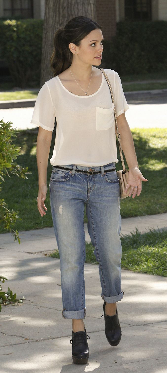 Zoe's roll up jeans and black oxford heels on Hart of Dixie.  Outfit details: http://wornontv.net/1211/